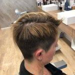 Taglio capelli corti donna e colore bruno