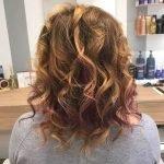 Colore capelli donna con sfumature rosse